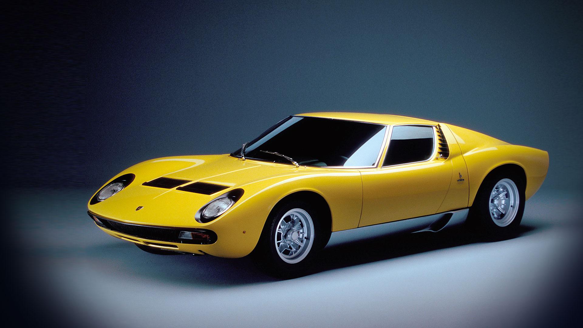 Lamborghini Miura - profil avant / front side-face