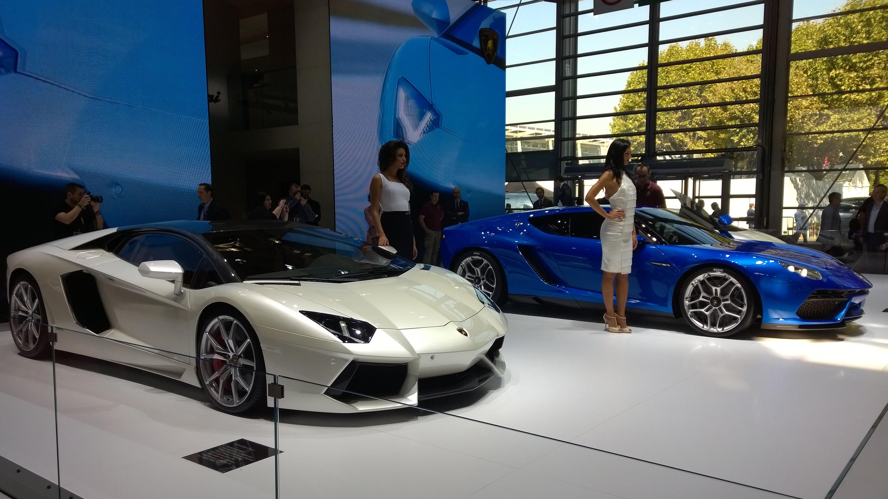 Lamborghini - stand - Paris 2014 - DESIGNMOTEUR