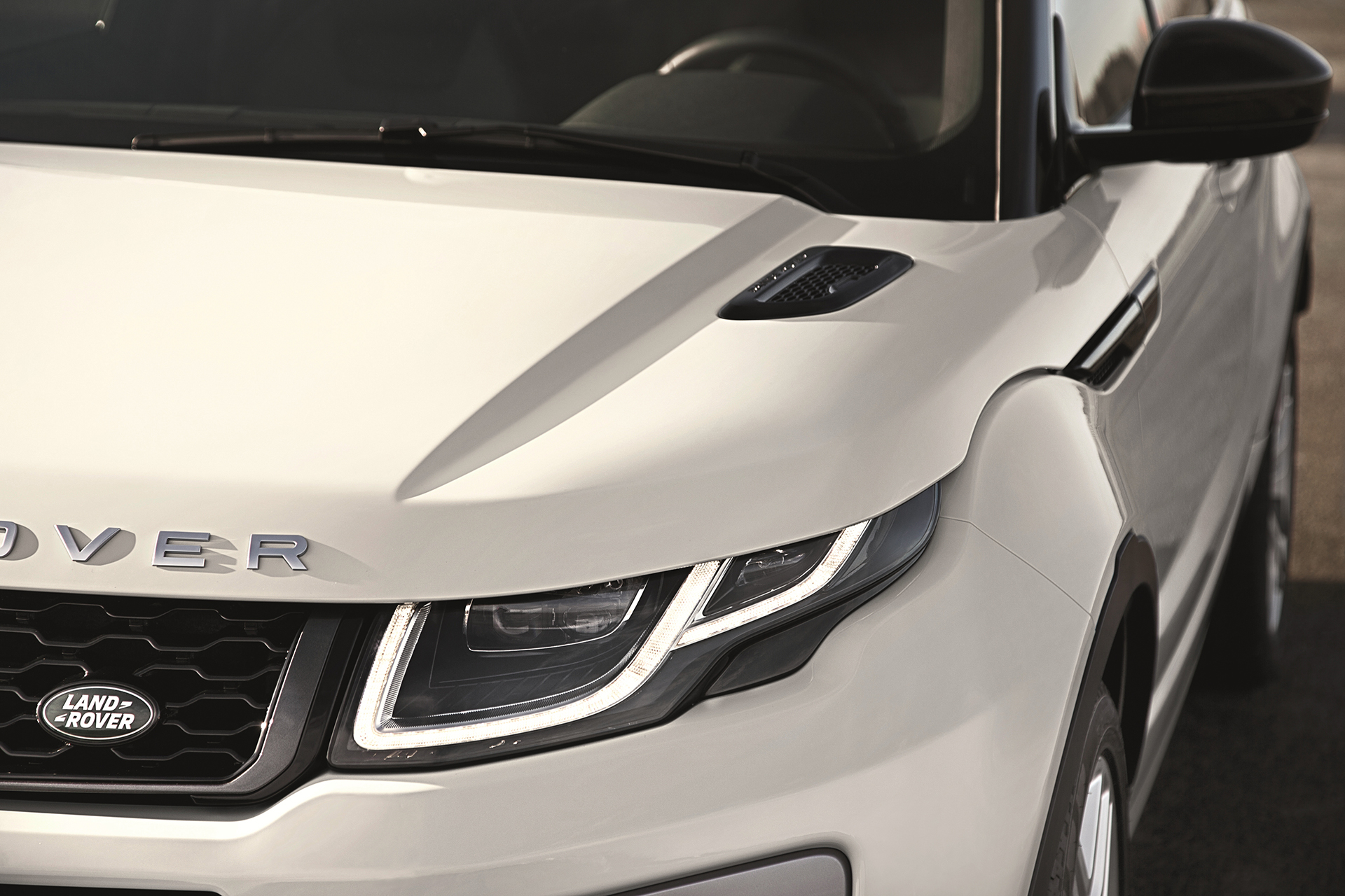 Land Rover Range Rover Evoque - 2016 - front / avant - LED