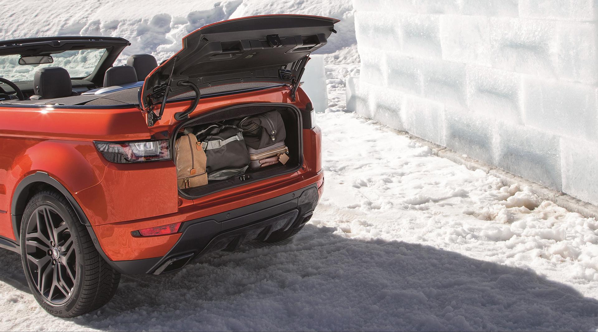 Land Rover Range Rover Evoque Convertible - rear compartment / coffre arrière - open / ouvert