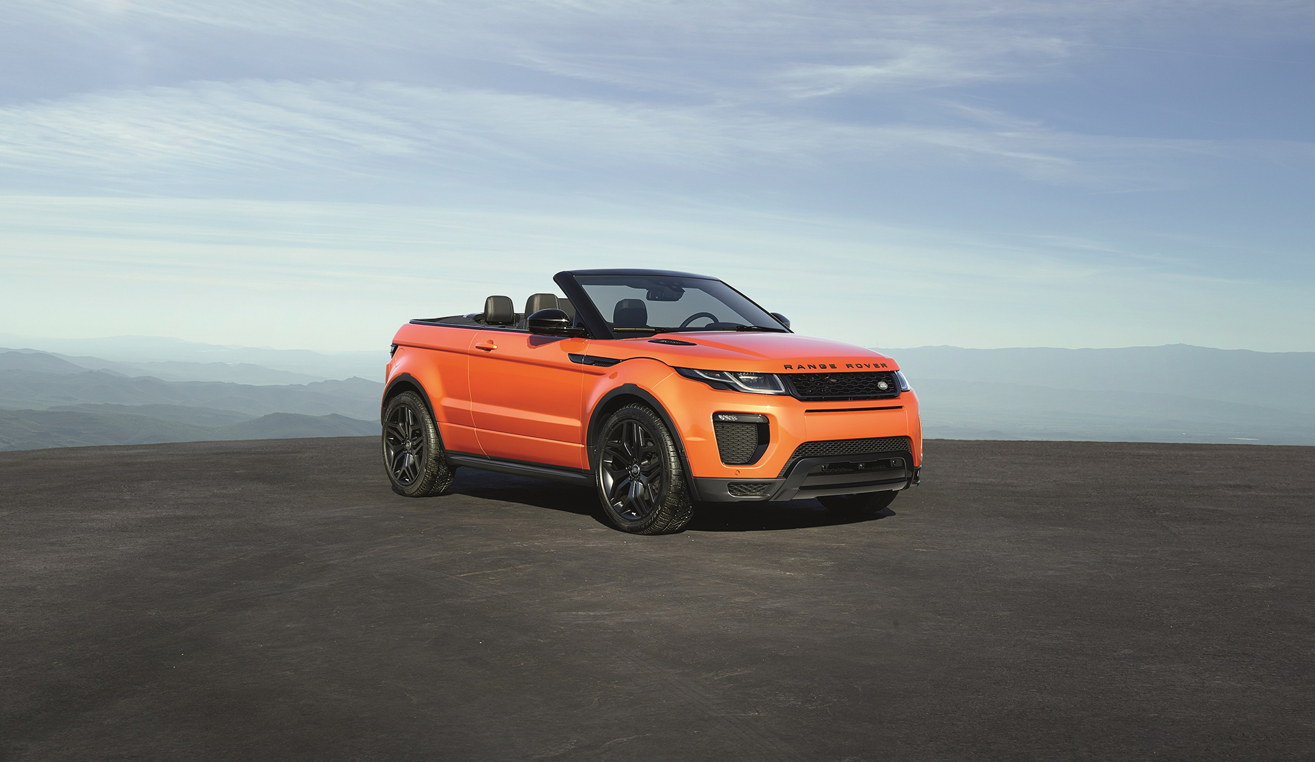 Land Rover Range Rover Evoque Convertible - profil avant / front side-face - top open / toit ouvert