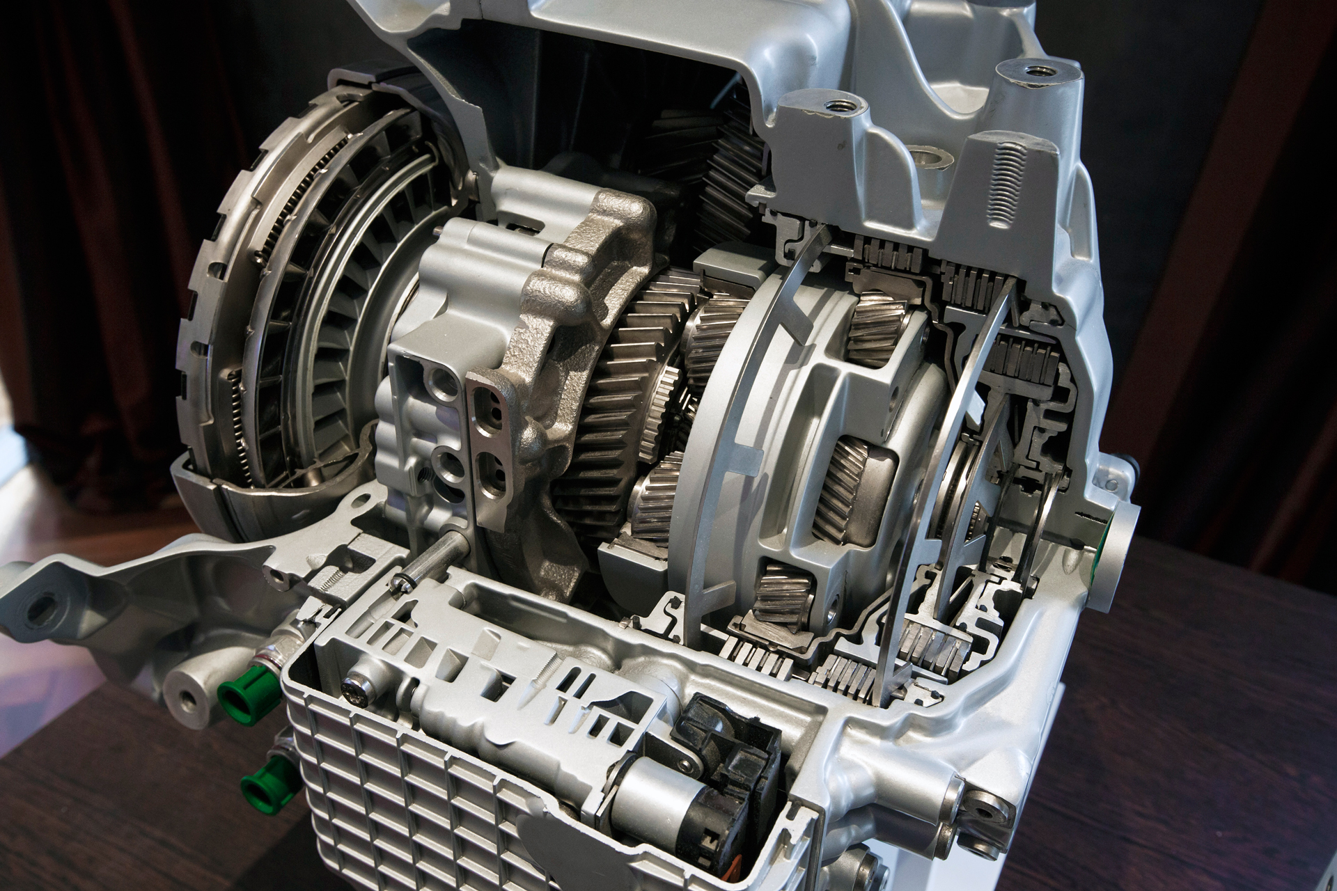 Land Rover - ZF 9-HP48 sectioned gearbox - Geneva 2013 - Photo via Wikipedia