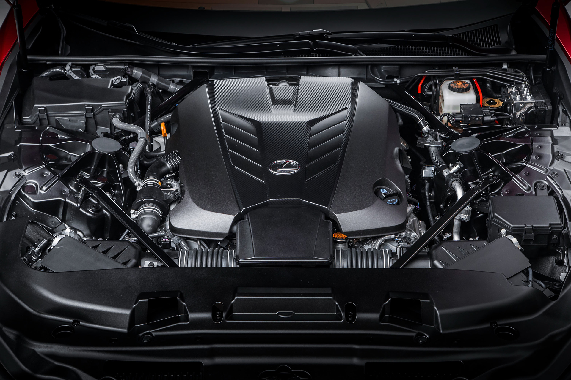 Lexus LC 500 - 2016 - under the hood / sous le capot