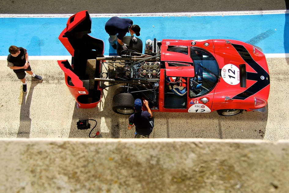 Lola Cars - T70 MkIII 1968 - stand - top view - Le Mans Classic 2016 - photo Ludo Ferrari