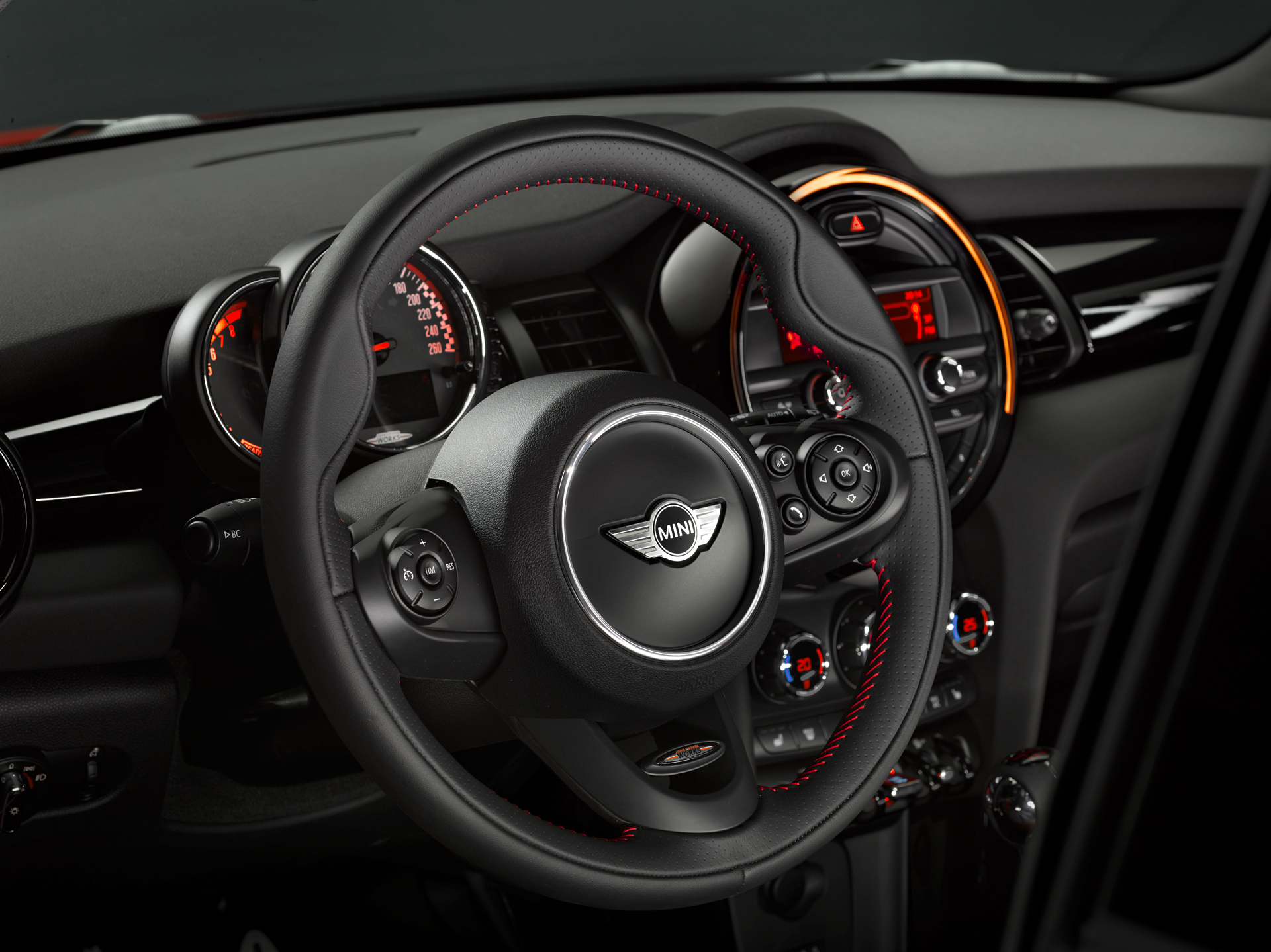 MINI John Cooper Works 2015 - volant