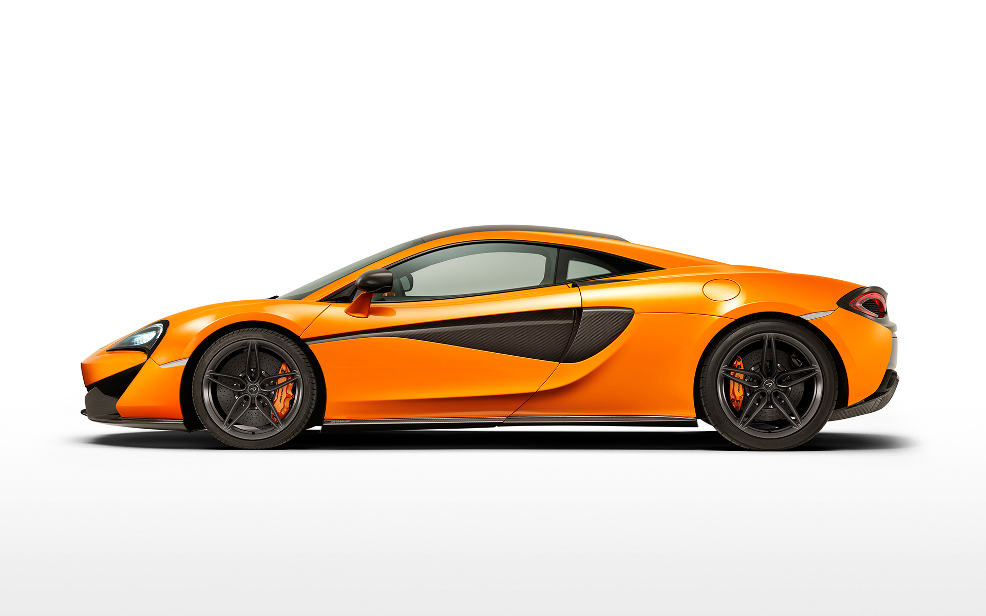 McLaren 570S Coupé - side face / profil