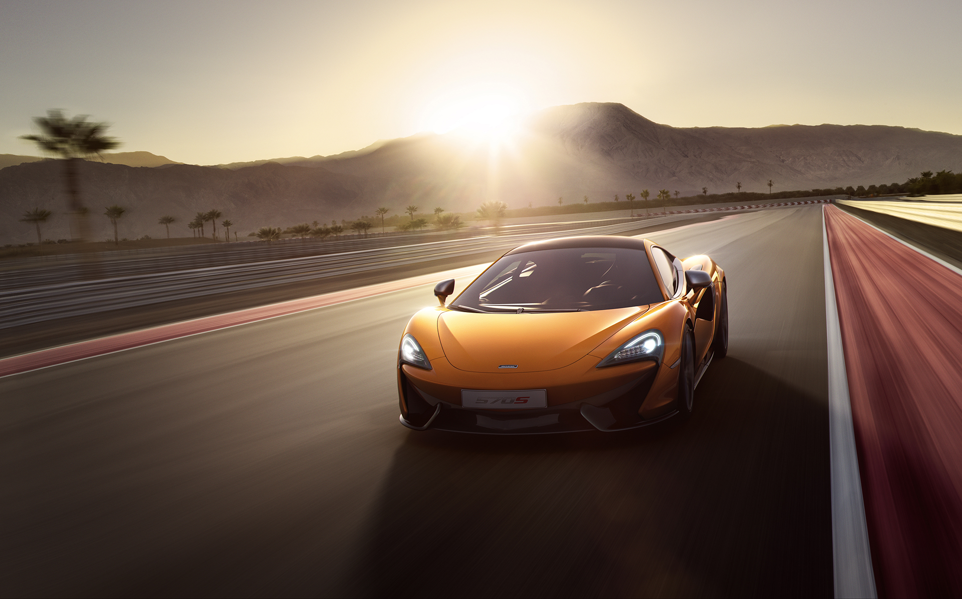 McLaren 570S Coupé - Orange - track / circuit