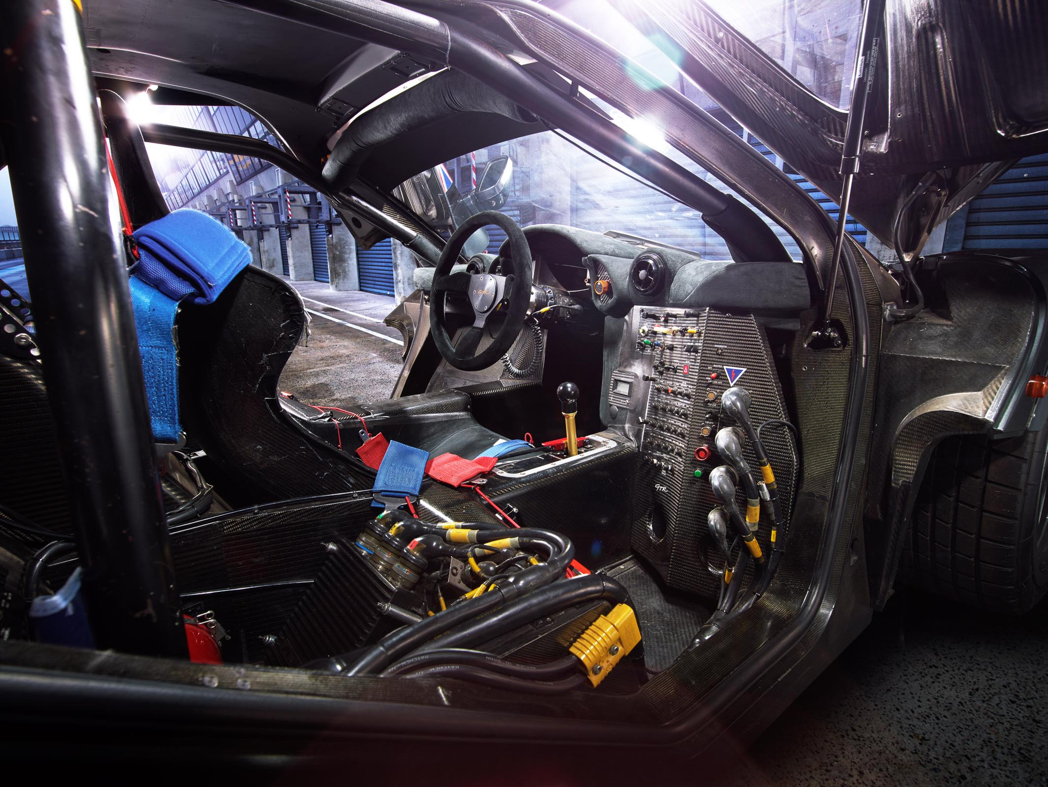McLaren F1 GTR - interior / intérieur - photo Alex Howe