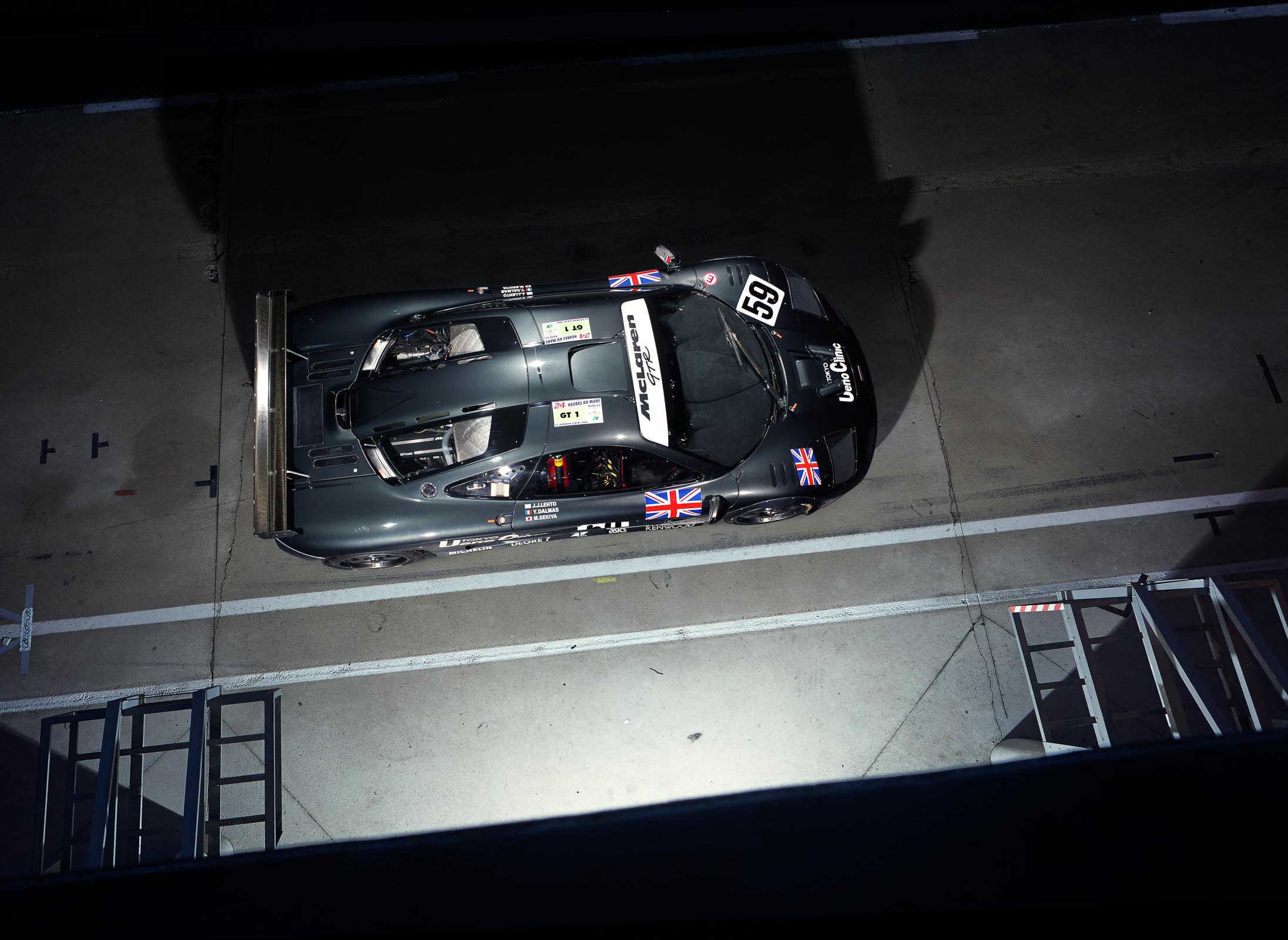 McLaren F1 GTR - overhead / vue du haut - photo Alex Howe