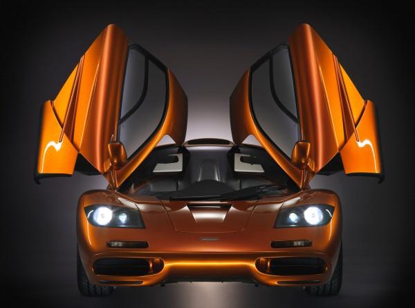 McLaren F1 - front-face / face-avant - open doors / portes ouvertes