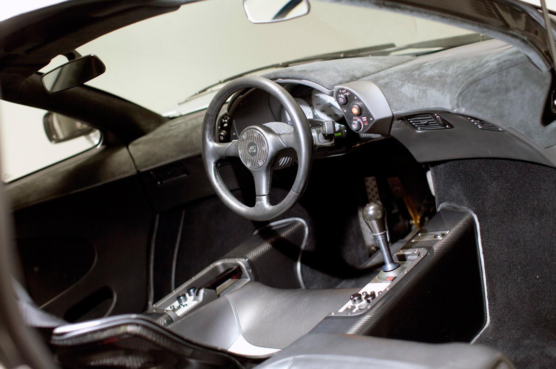 McLaren F1 - interior / intérieur