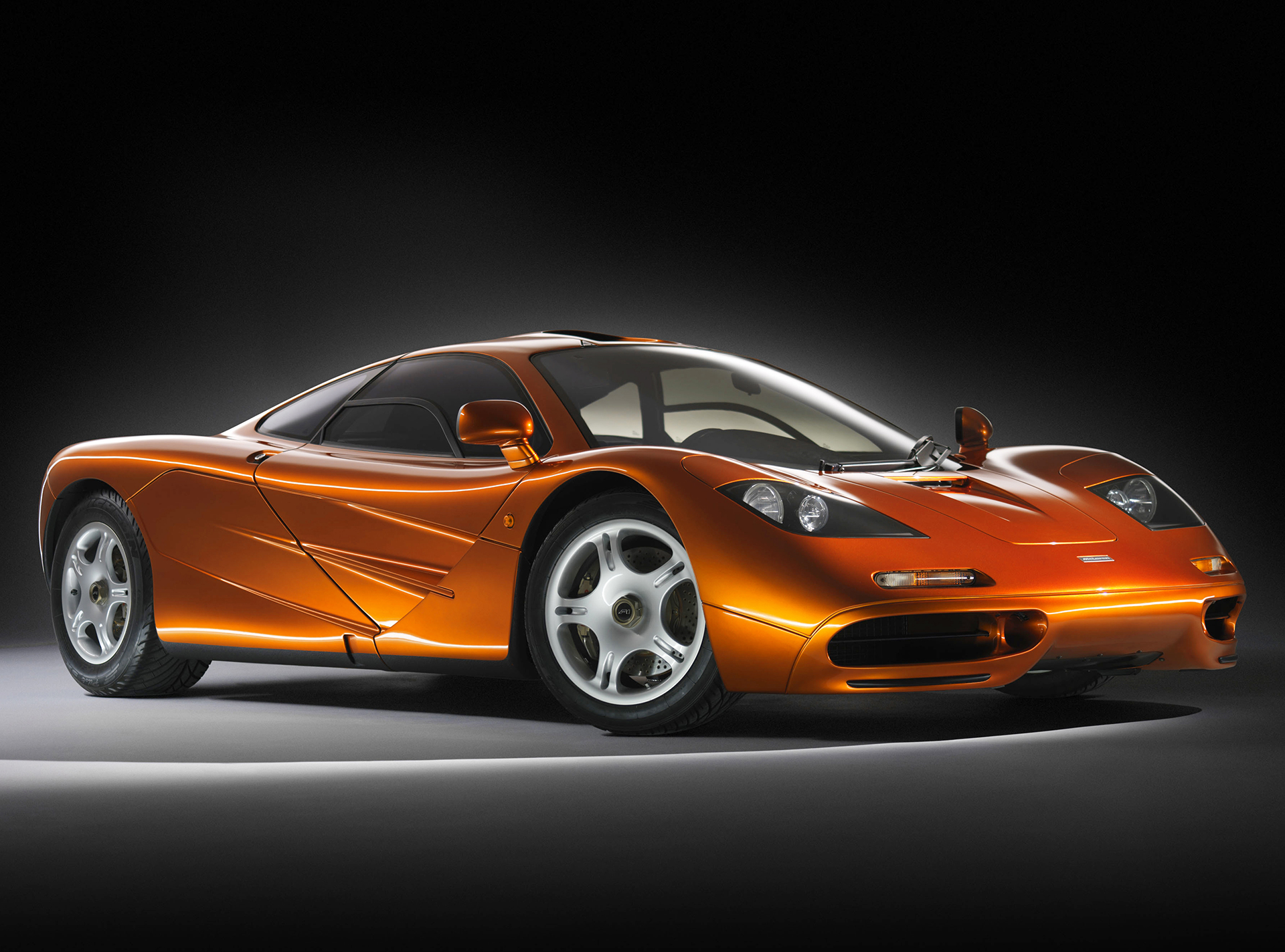 McLaren F1 - front side-face / profil avant