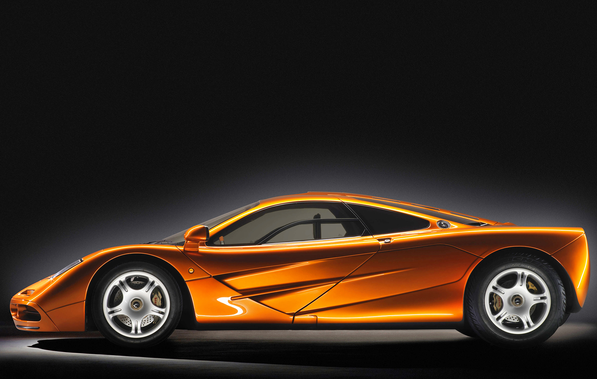 McLaren F1 - side-face  / profil