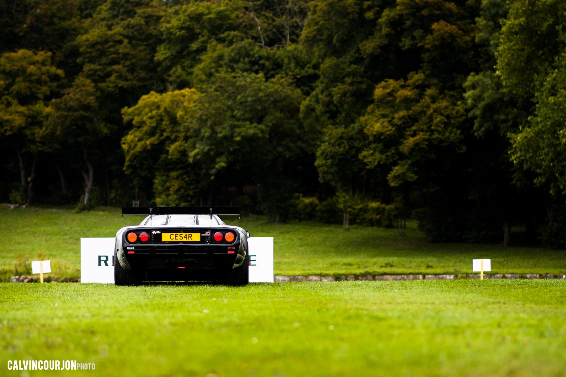 McLaren F1 (1995) – Cesar - rear far away / arrière de loin – Chantilly 2015 – photo Calvin Courjon