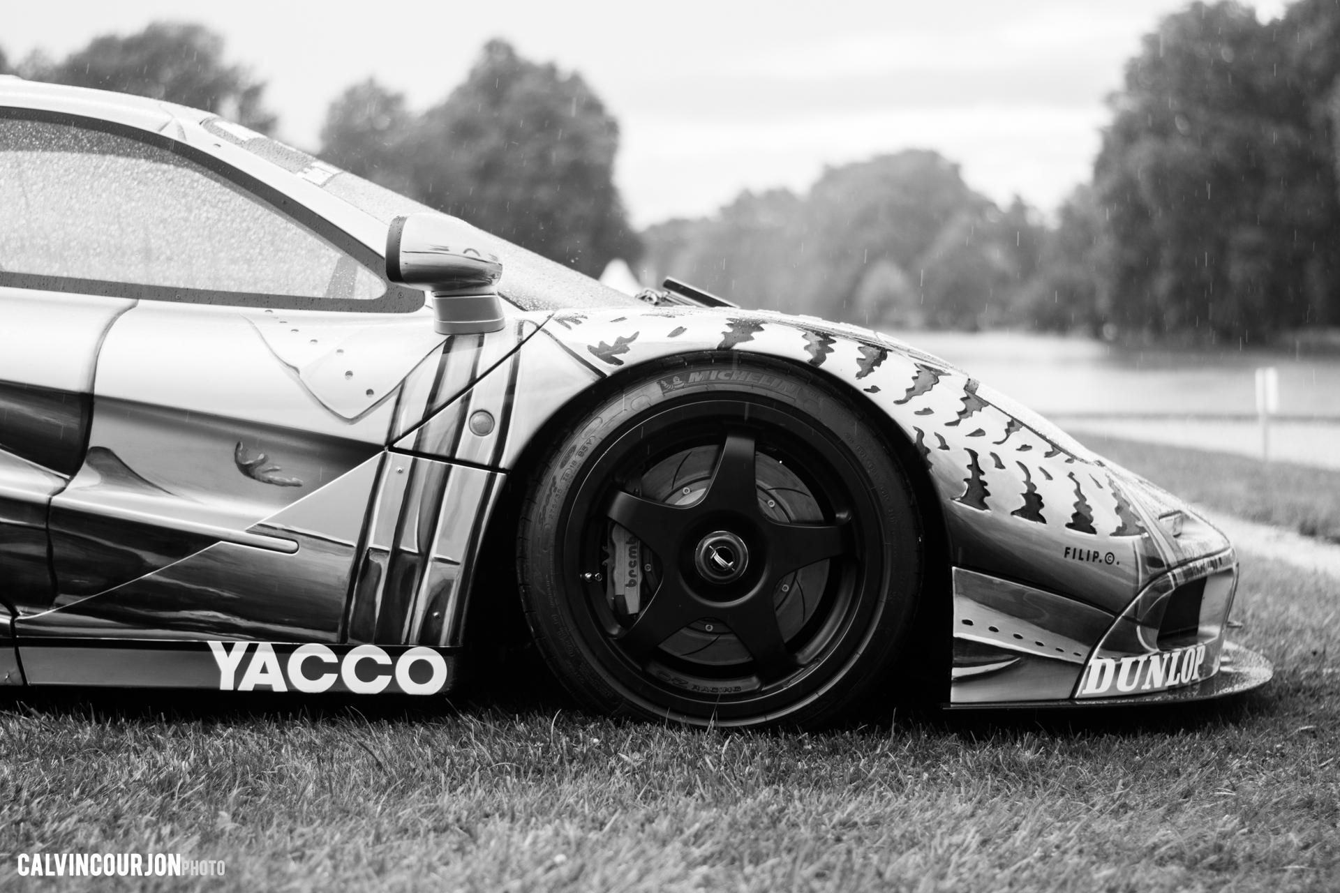 McLaren F1 (1995) – Cesar - front wheel / roue avant McLaren – Chantilly 2015 – photo Calvin Courjon