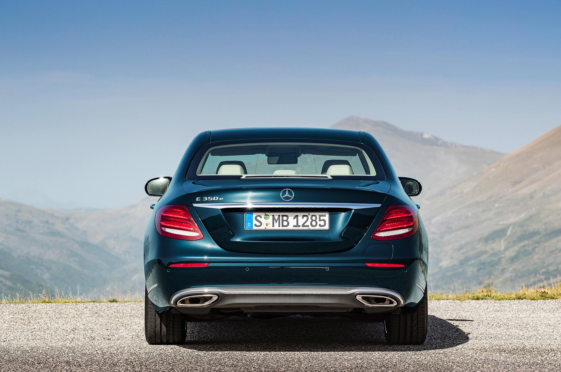 Mercedes-Benz E Class - 2016 - E350e - rear / arrière