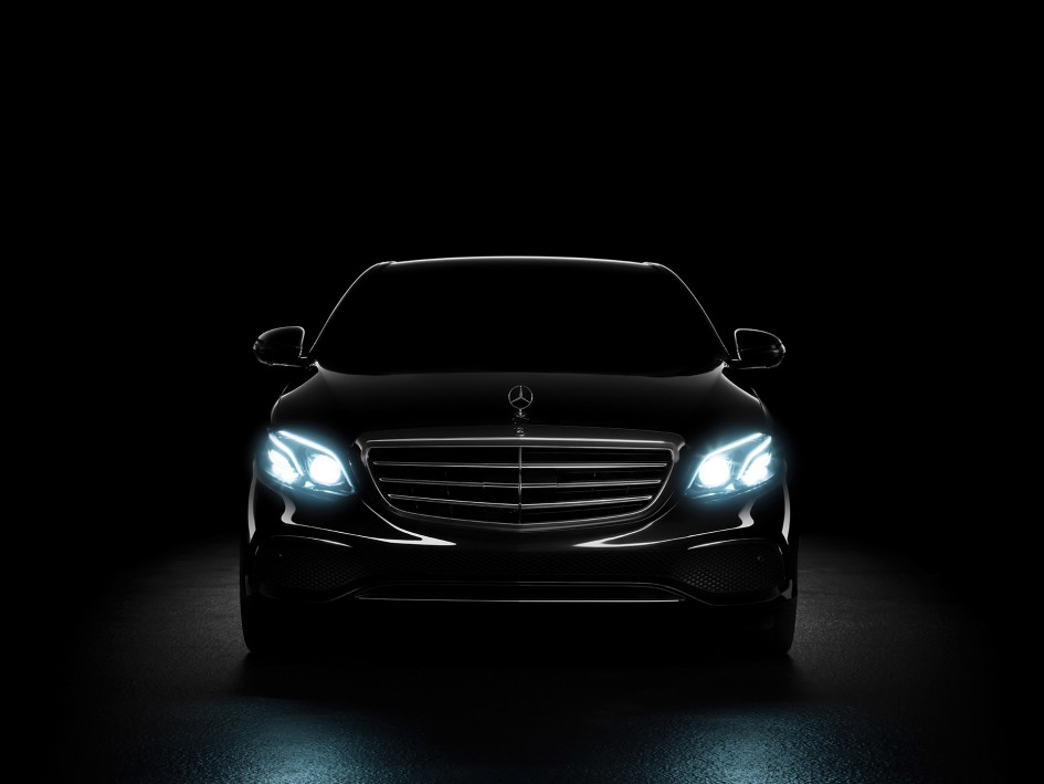 Mercedes-Benz E Class - 2016 - front light / signature lumineuse avant
