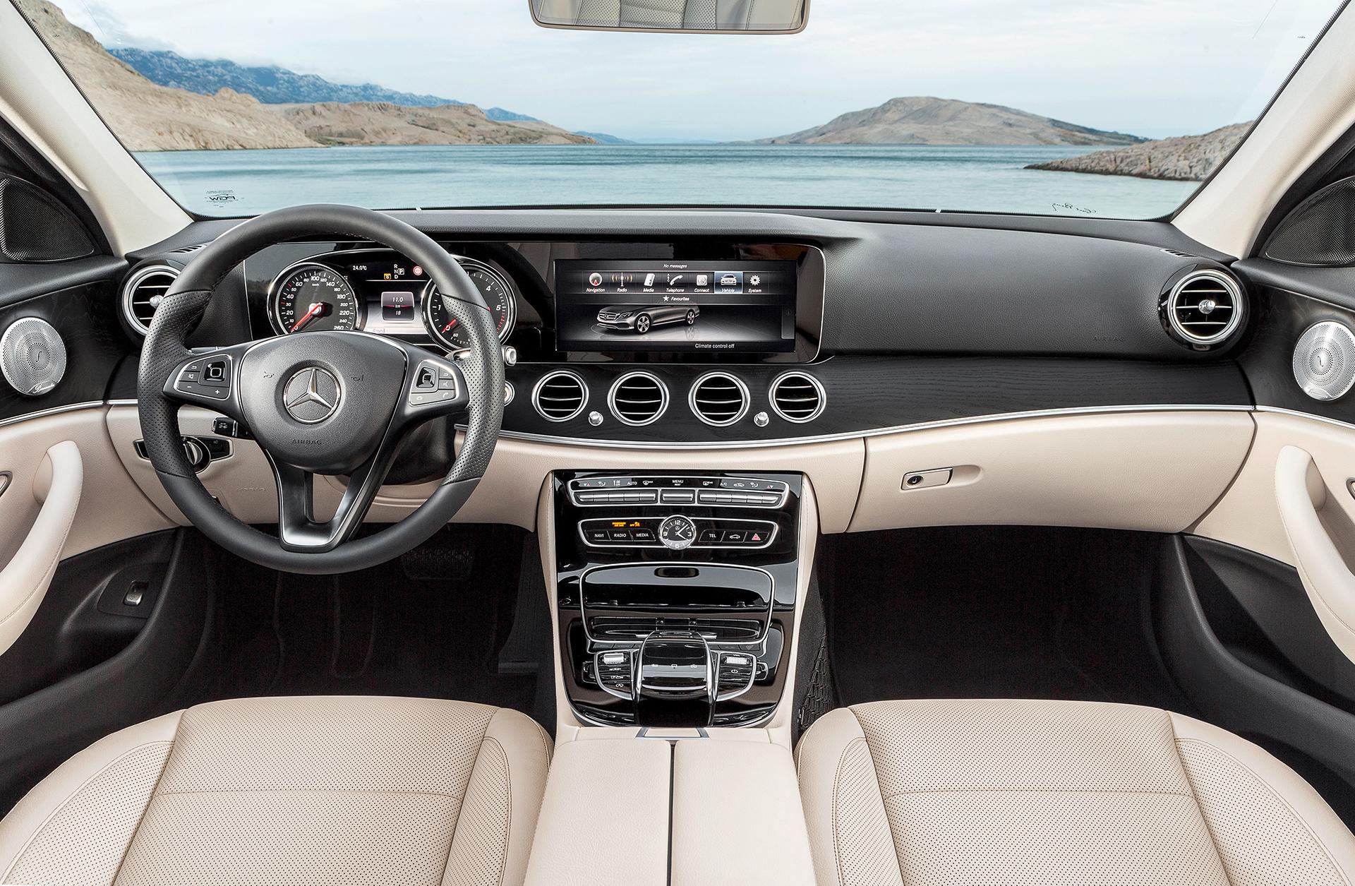 Mercedes-Benz E Class - 2016 - interior / intérieur