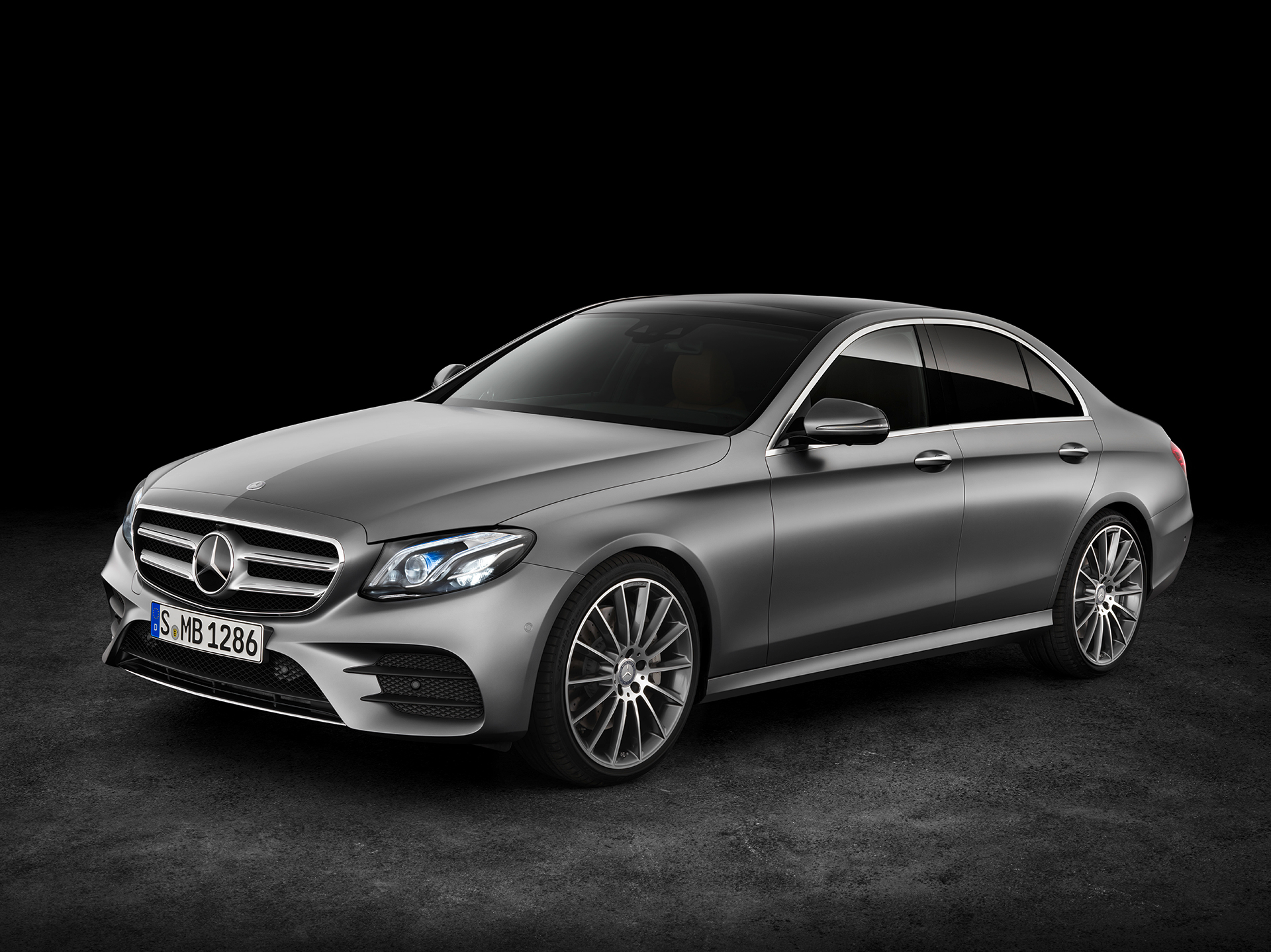 Mercedes-Benz E Class - 2016 - front side-face / profil avant