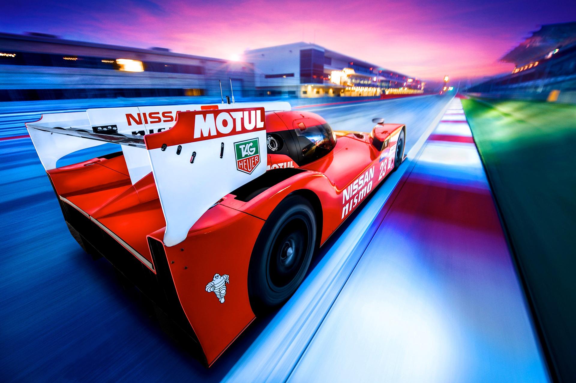 Nissan GT-R LM NISMO - sur circuit - profil arrière