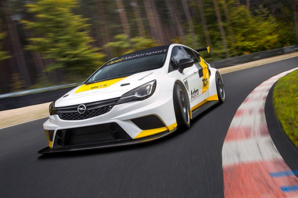 Opel Astra TCR - 2015 - avant / front - Image - GM Company.