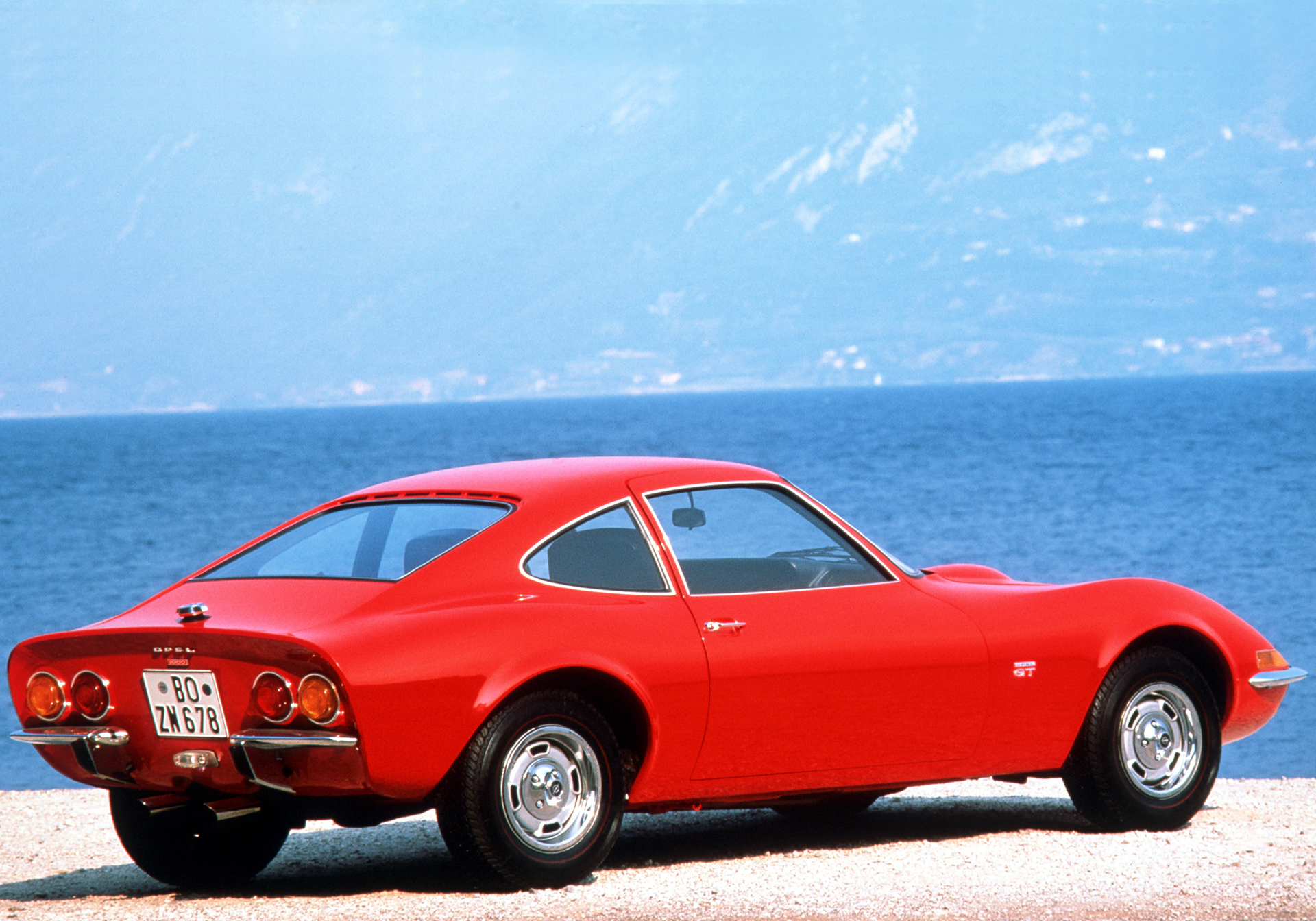 Opel GT - 1968 - arrière / rear - Image - GM Company.