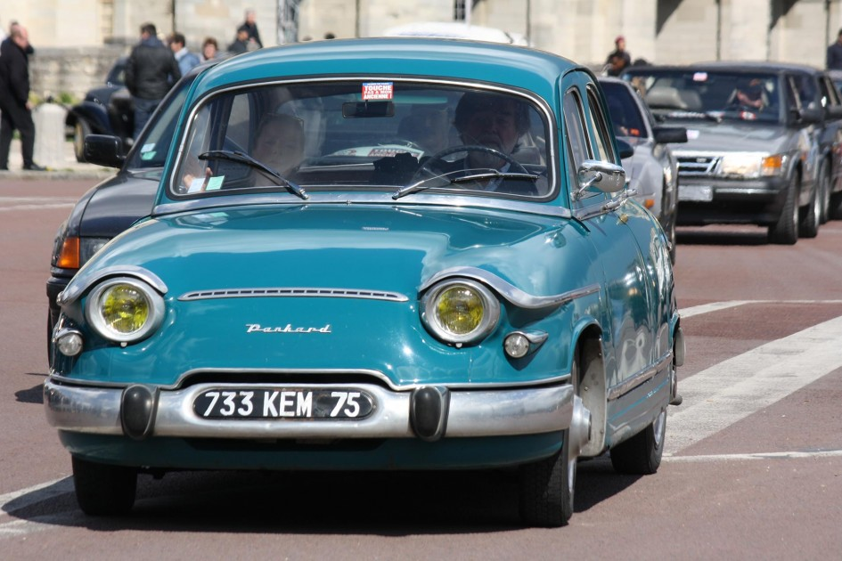 Panhard PL17 - avant / front 2016 - photo Fiona Rodrigues