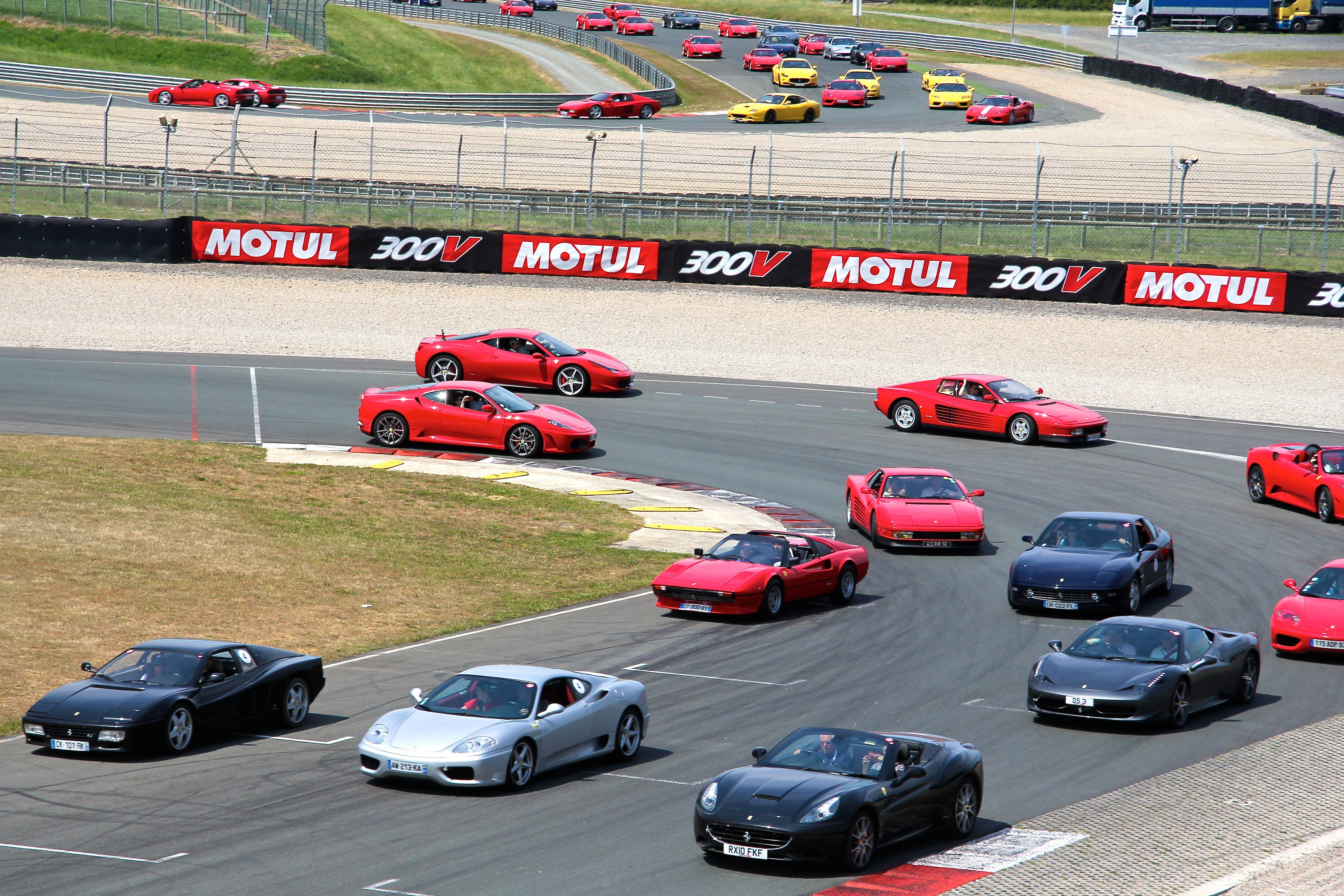 Parade Ferrari - Sport et Collection 2015 - Photographie Ludo