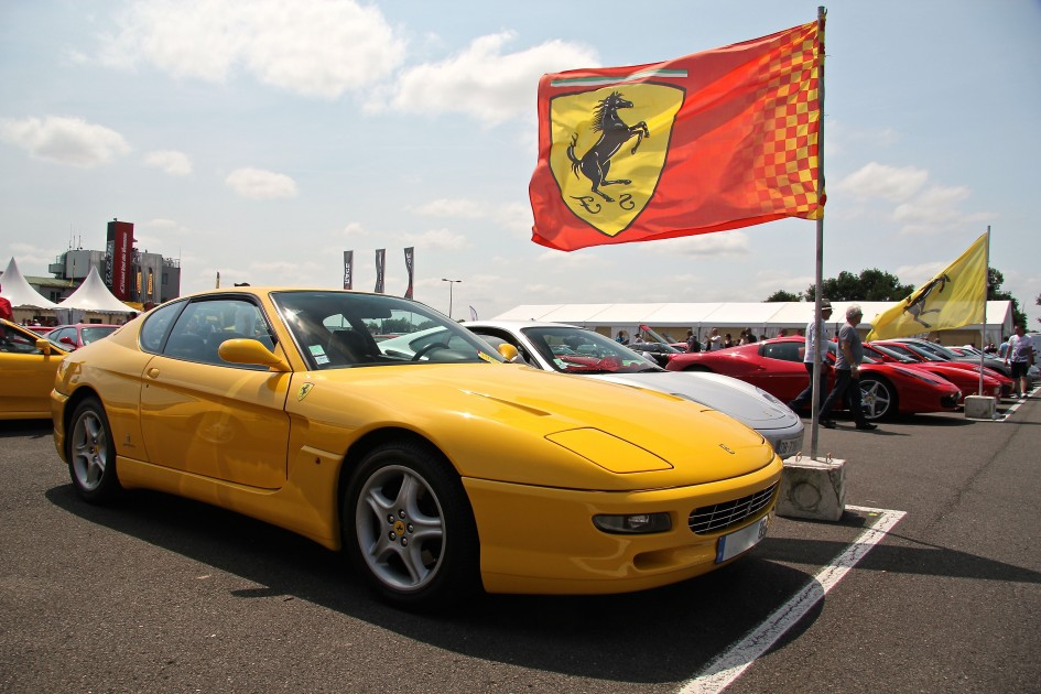 Parking Ferrari - Sport et Collection 2015 - Photographie Ludo