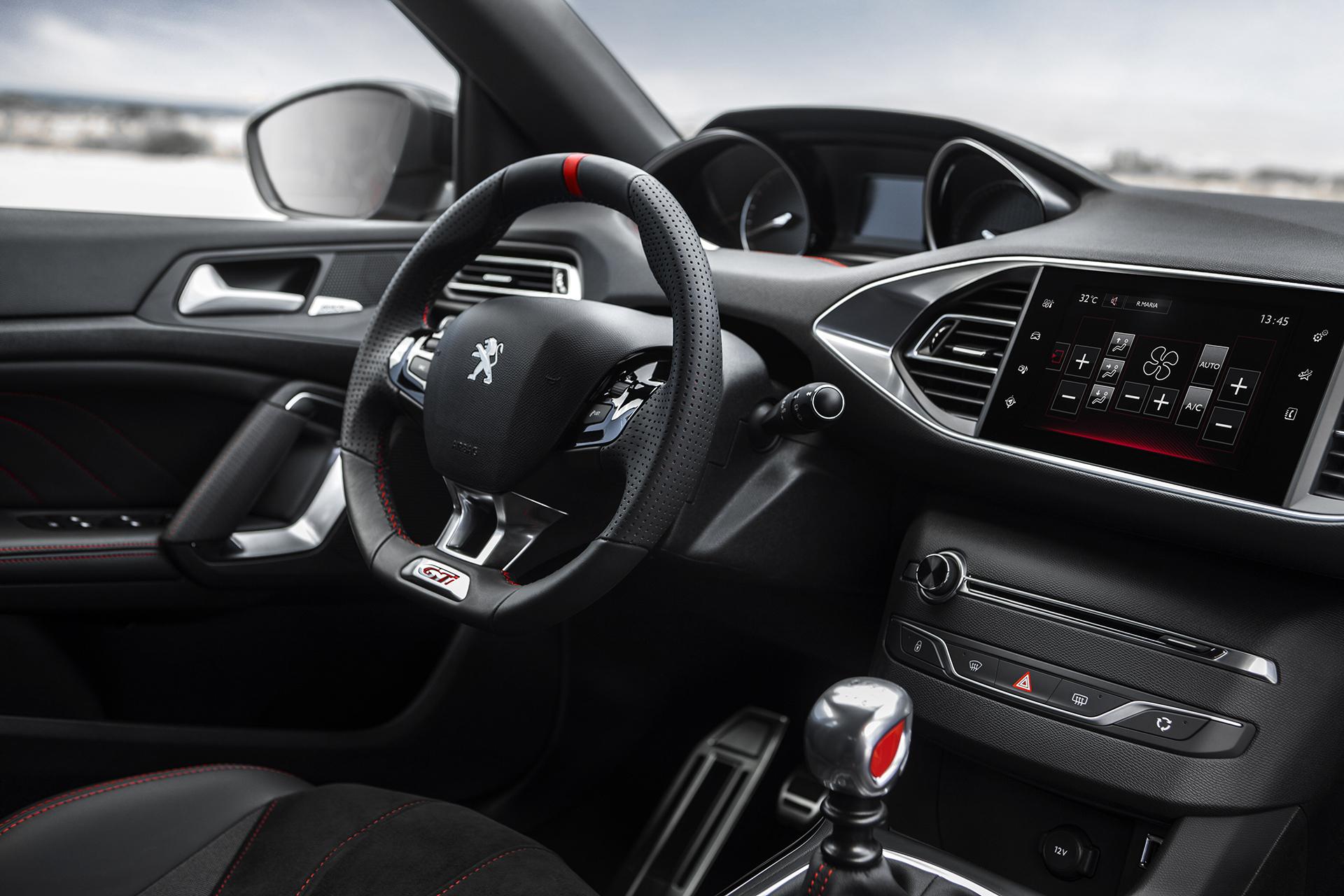 Peugeot 308 GTi - 2015 - intérieur / interior