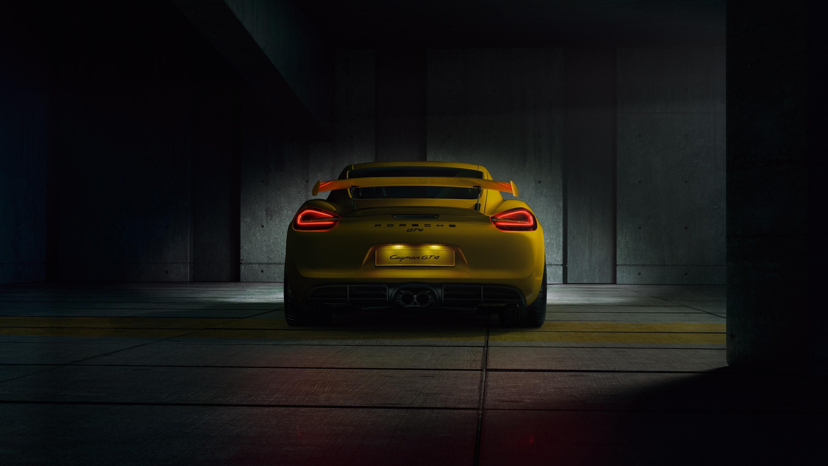 Porsche Cayman GT4 - face arrière avec feux allumés