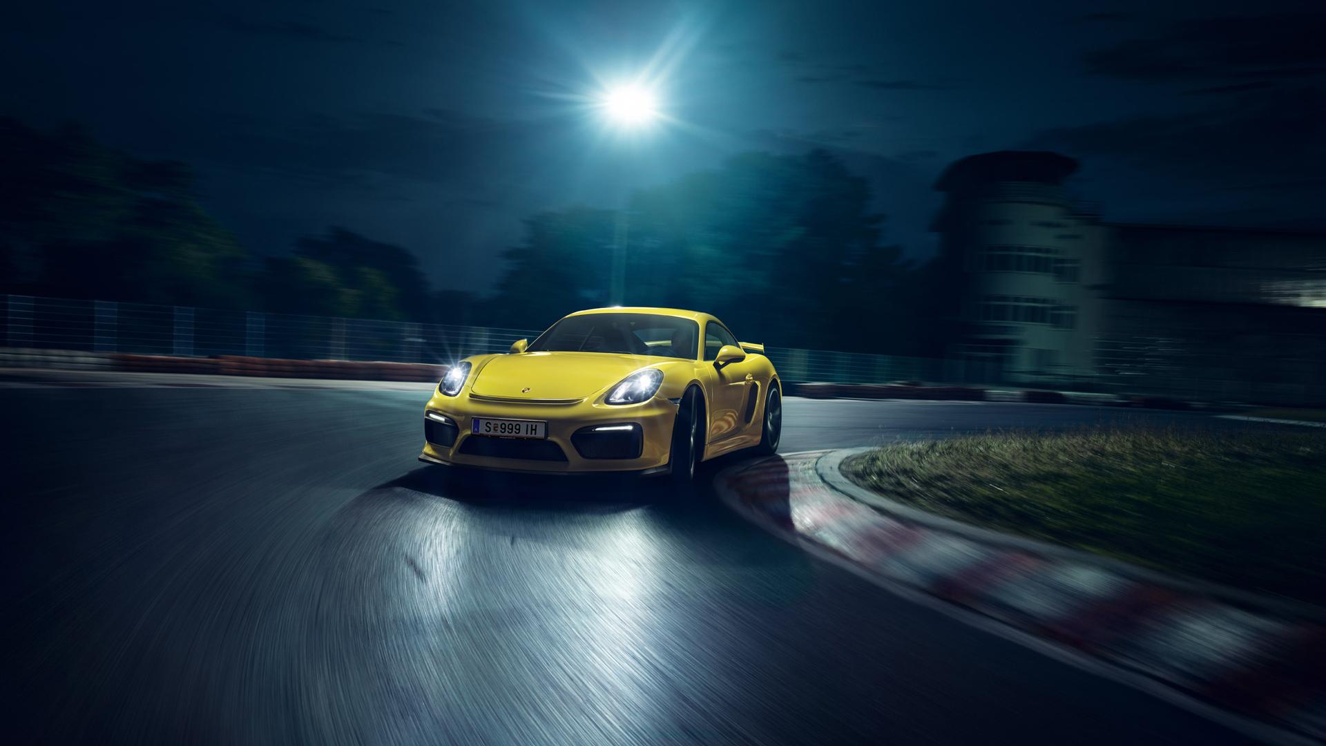 Porsche Cayman GT4 - sur circuit de nuit