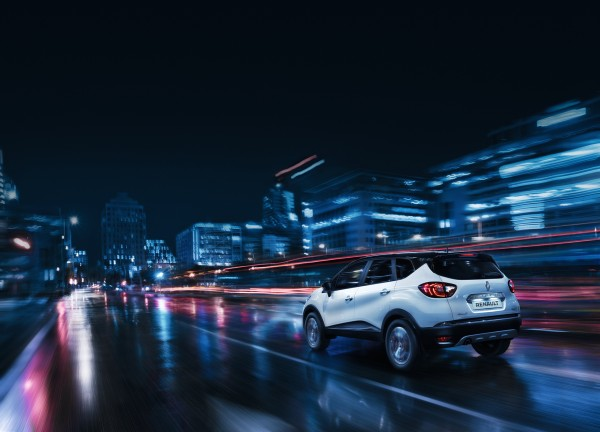 Renault Kaptur - 2016 - night rear