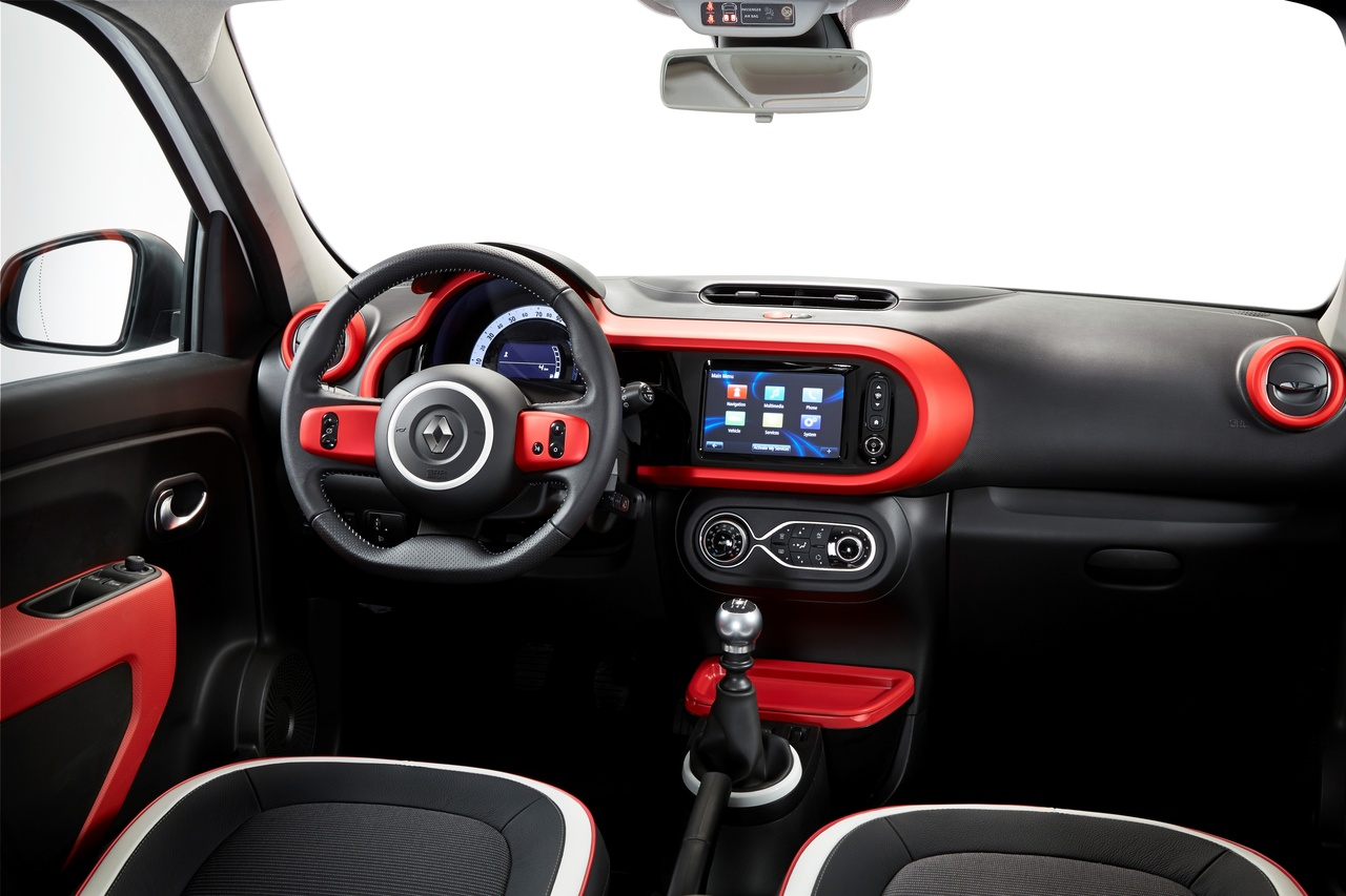 Twingo 3 me g n ration une renault moderne smart 500 for Interieur 4l