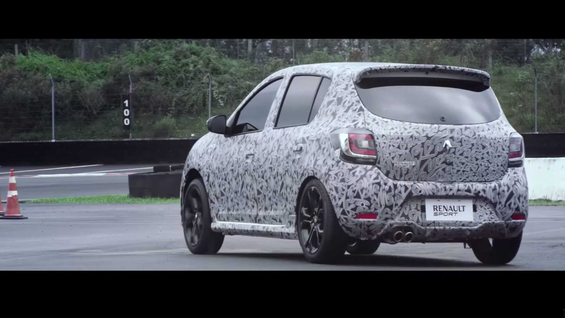 Sandero R.S. (teaser) - rear / arrière