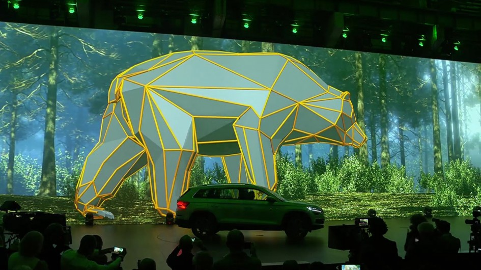 Skoda Kodiaq - 2016 - reveal conference - Bear background - photo
