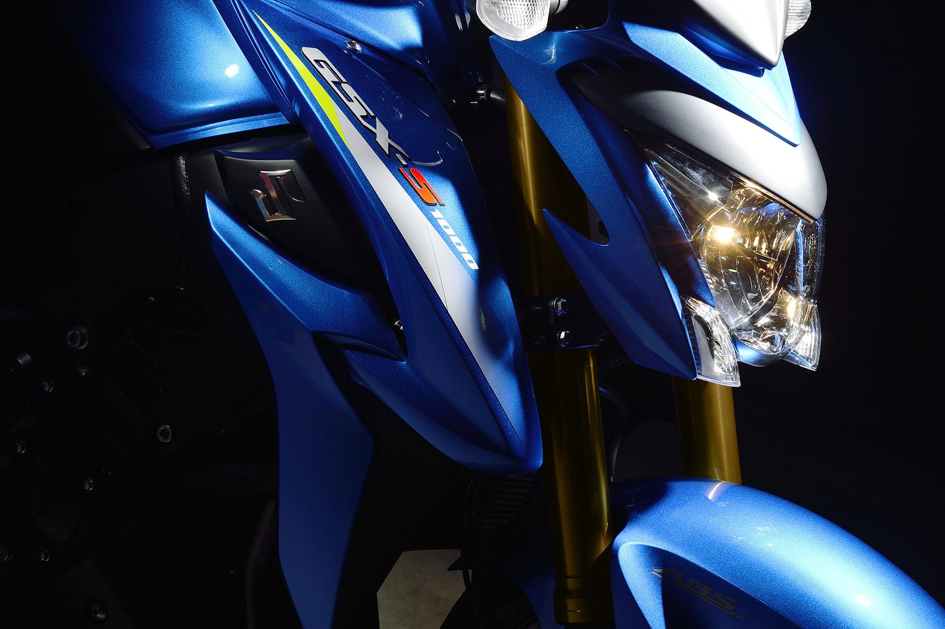 Suzuki GSX S1000 - light blue