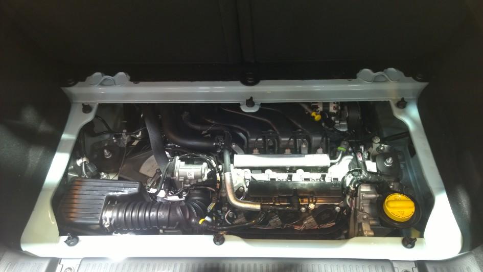 Renault Twingo 3 - moteur - Paris 2014 - DESIGNMOTEUR