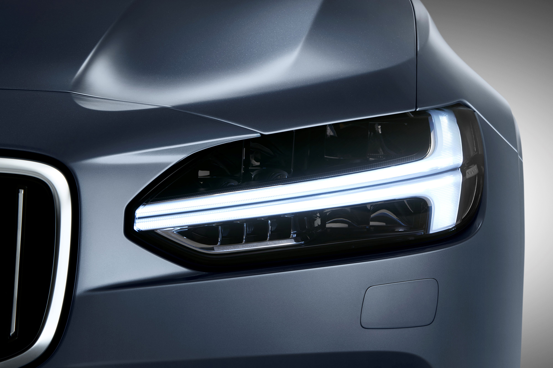 Volvo S90 - 2016 - front  light / optique avant