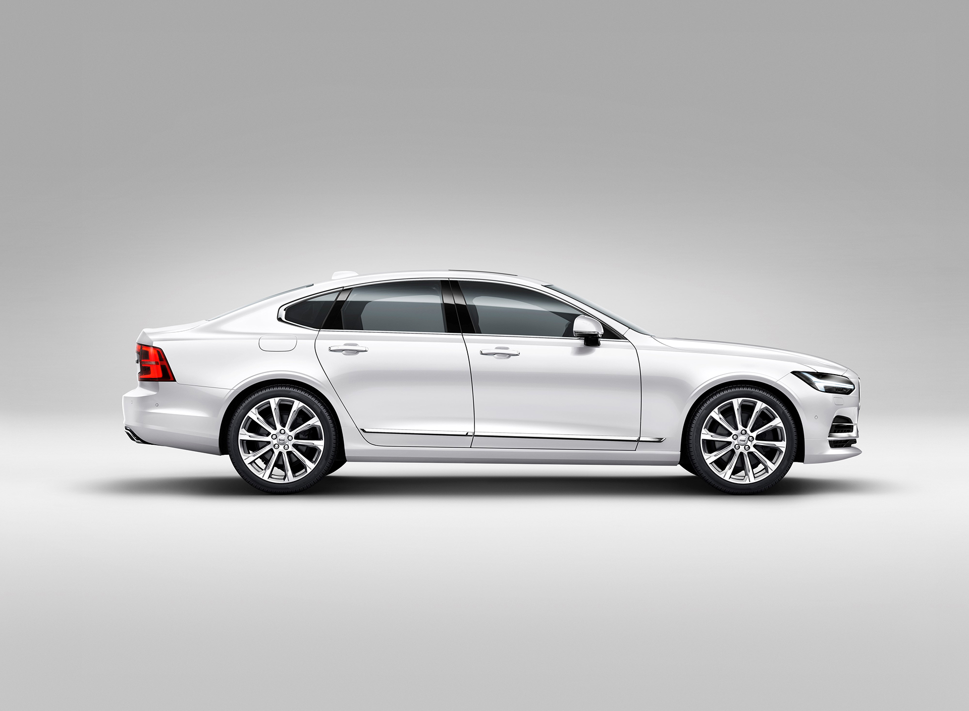 Volvo S90 - 2016 - side-face / profil