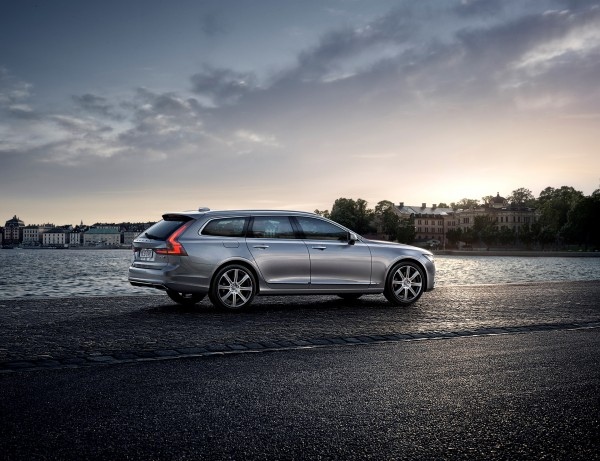 Volvo Cars V90 - 2016 - rear / arrière - photo