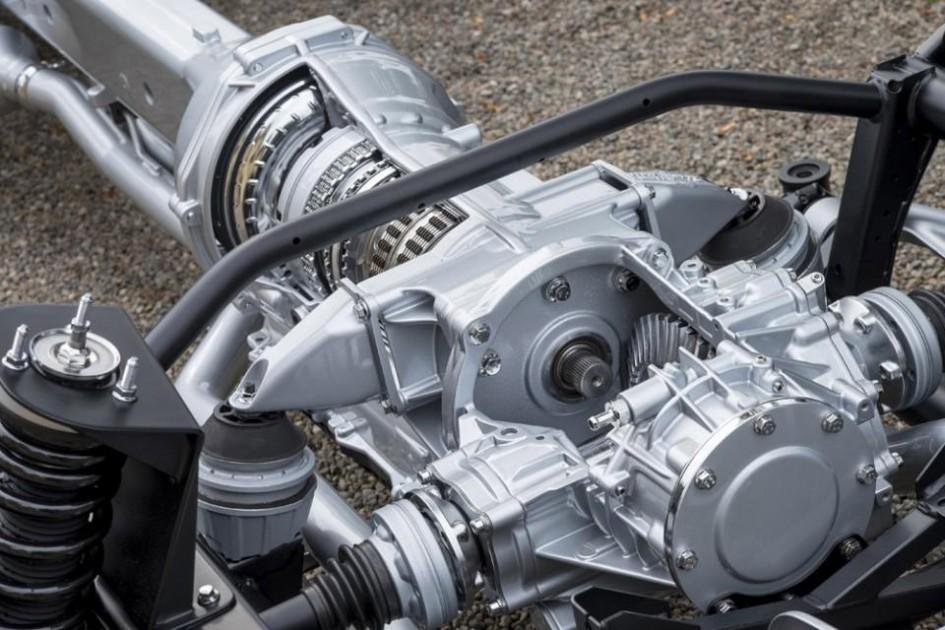 Aston Martin - gearbox ZF