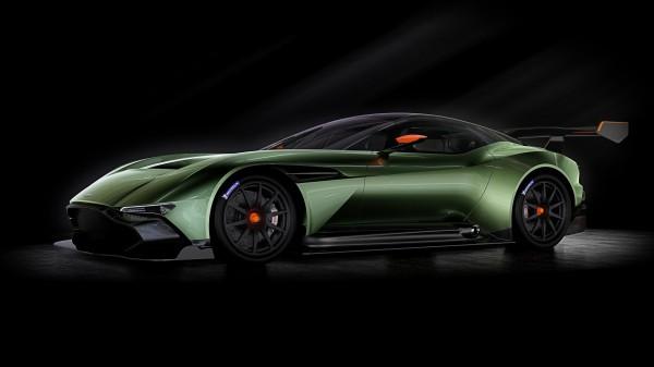 Aston Martin Vulcan - profil avant