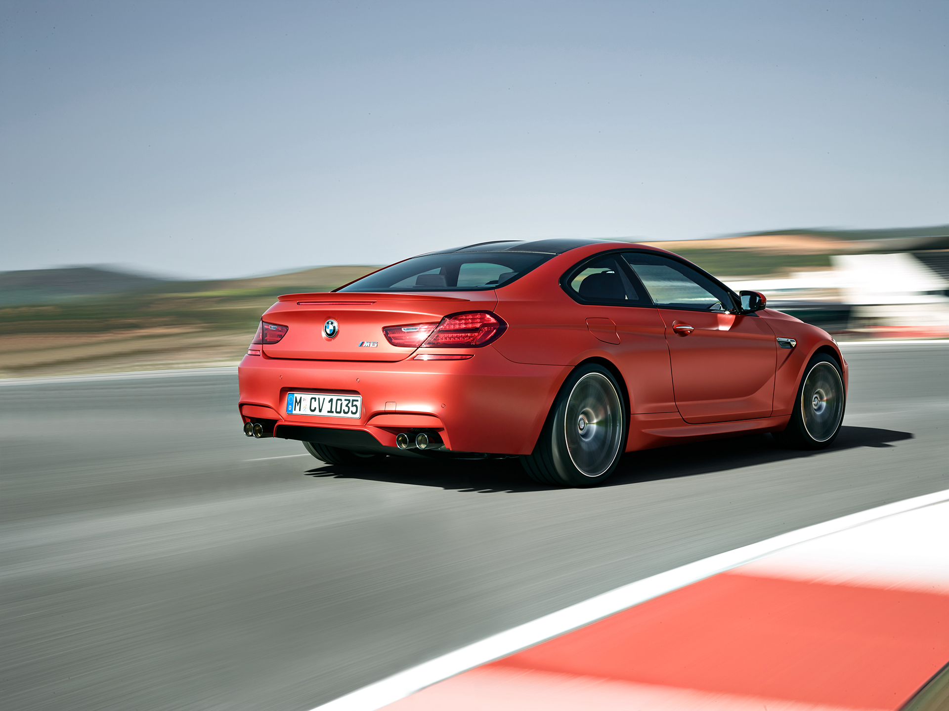 BMW M6 coupé 2015 - on track / sur circuit