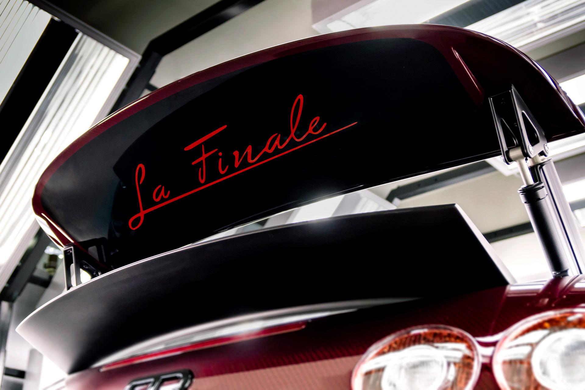bugatti la finale l 39 utime veyron de 16 cylindres 1 200 ch. Black Bedroom Furniture Sets. Home Design Ideas