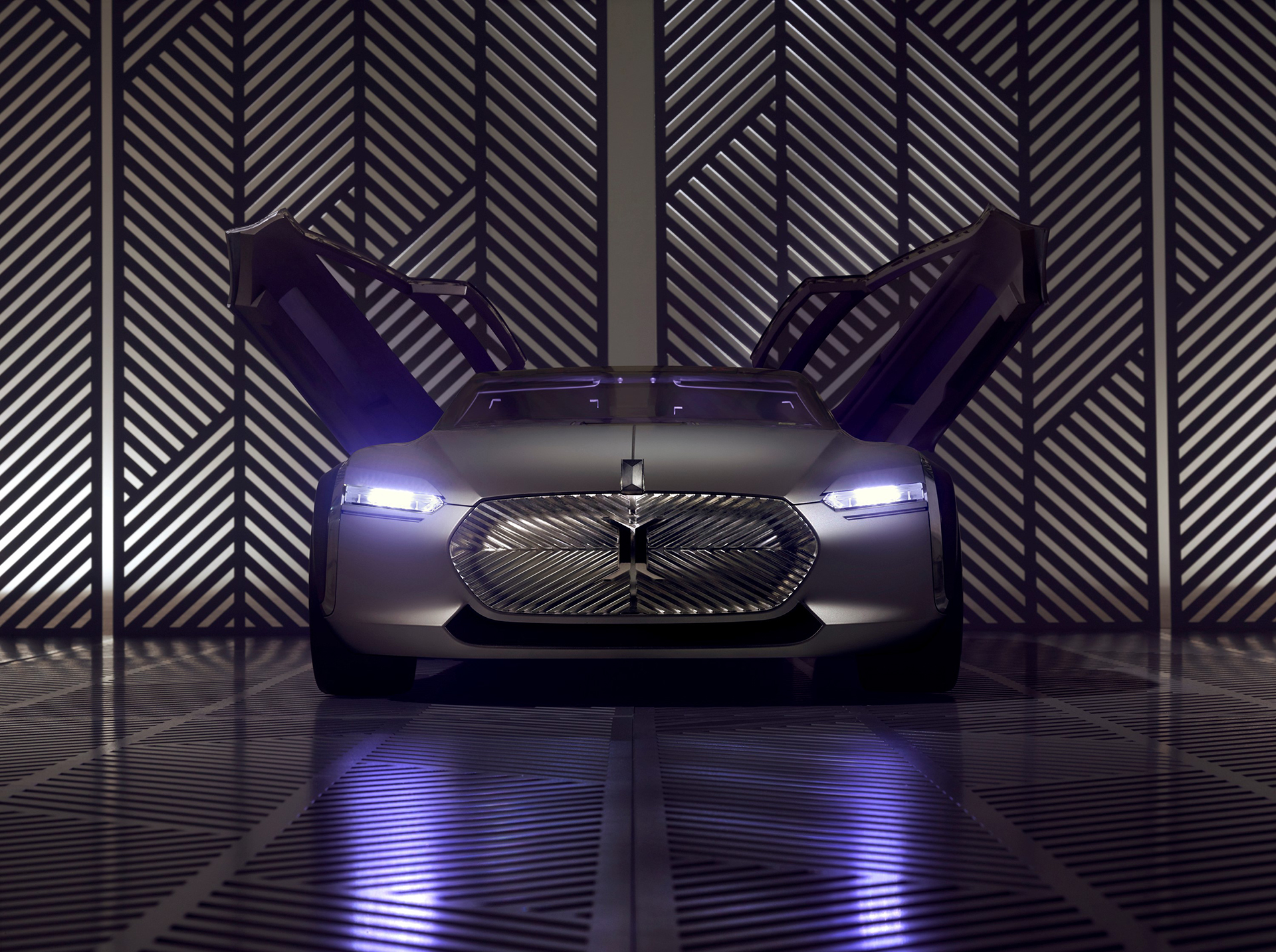 Coupé Corbusier Concept - 2015 - portes ouvertes / open doors - Design Groupe Renault