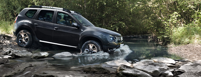 le nouveau dacia duster 4x4 la demande avec moteur renault. Black Bedroom Furniture Sets. Home Design Ideas