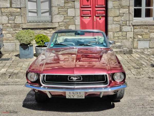 Ford Mustang cabriolet - US Cars and Bikes - 2015 - photo DESIGNMOTEUR