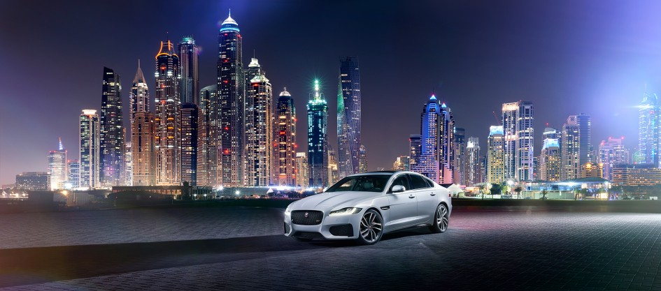 Jaguar XF - 2015 - night in the city