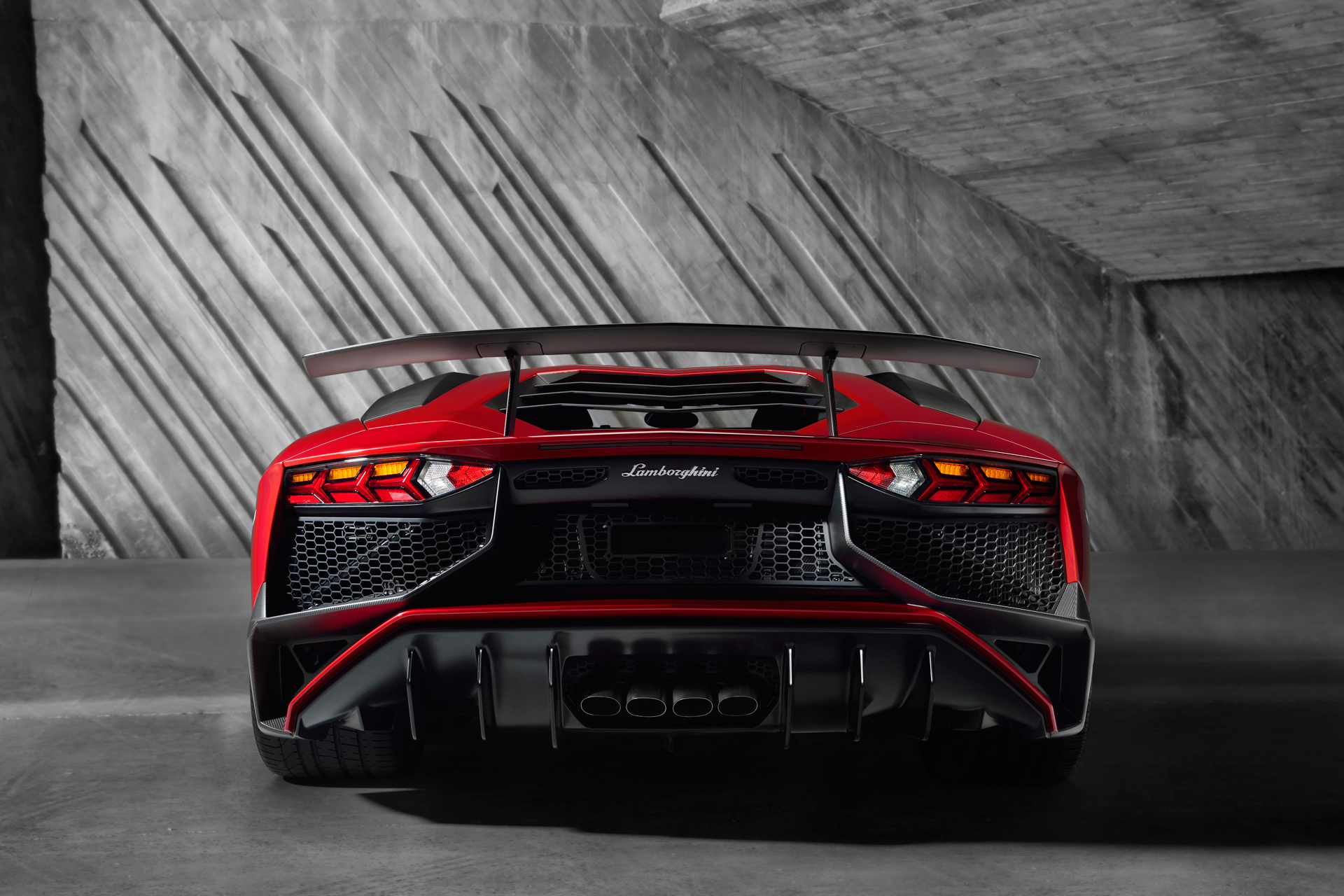 Lamborghini LP750-4 Superveloce - arrière
